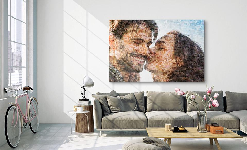 Mosakbild über dem Sofa
